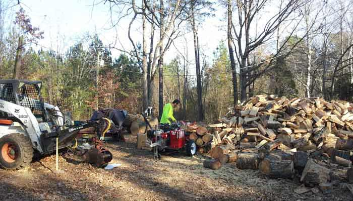 Andrew's Tree Pros sells Barbecue Wood, Firewood, Wood Chips and Mulch